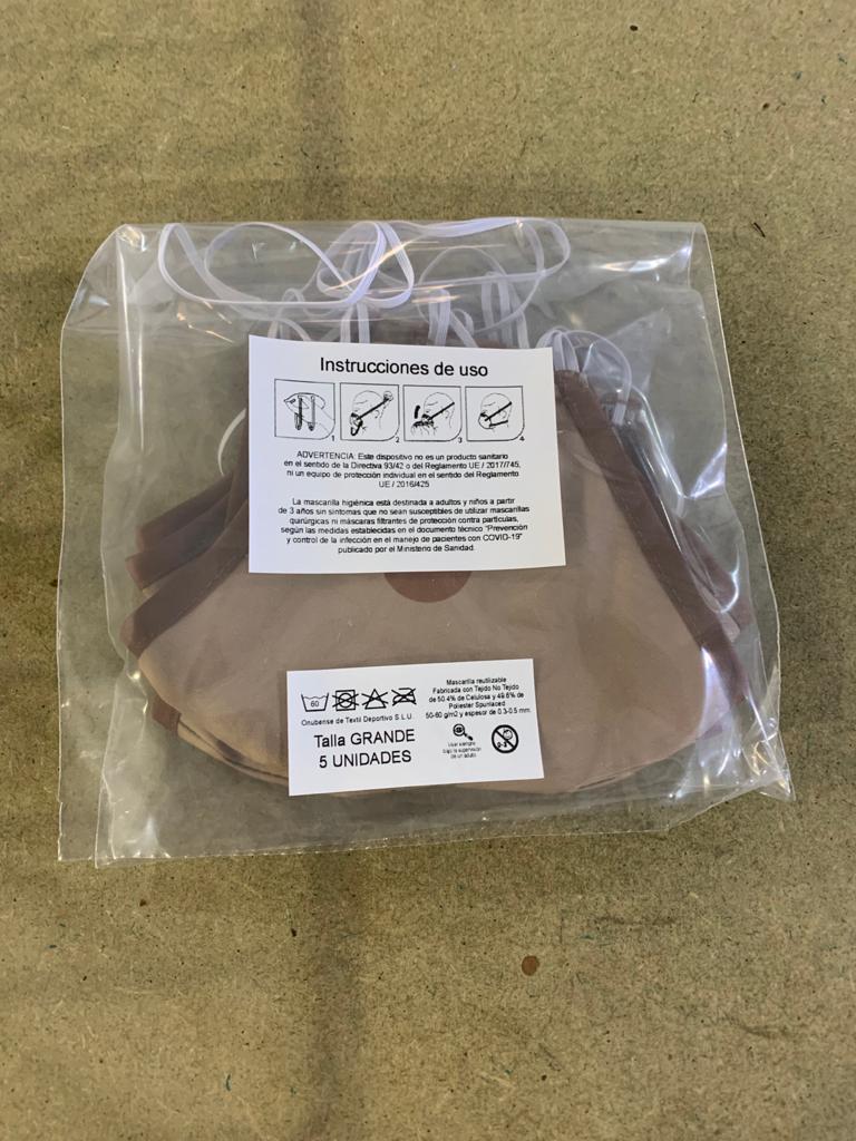 Embalaje de la mascarilla para su envío y entrega